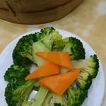 黄龍荘 - 小菜(ブロッコリーとニンジン)