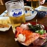 お食事処 大漁 - ビールと丼物は点滴(;´Д`)