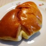 ブーランジェリー ソラハナ - クリームパン