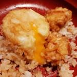 117884732 - トロ~リ流れれる卵黄をとり天やご飯にからめて、天丼のタレはあっさり程よい薄口