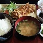 キッチンきずな - 料理写真:チキン南蛮定食(500円)