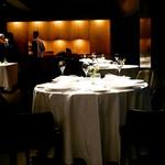 レフェルヴェソンス - ☆グランメゾンな雰囲気のテーブル席(#^.^#)☆