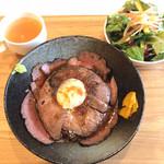 フェリシア - ローストビーフ丼