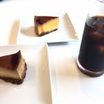 フェリシア - アイスコーヒーと焼プリンケーキ