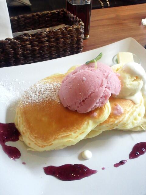 ルーポリック - 苺のソルベとバニラアイスのパンケーキ