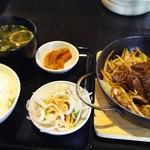 波平食堂 - 750円  ご飯  味噌汁  漬け物類はおかわり自由