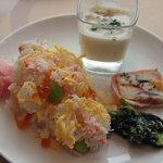COOKA - いくらサーモンカニの彩りちらし寿司など