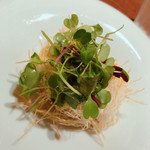 117919185 - 前菜  真鯛のオーブン焼き カダイフ