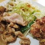 11792264 - 豚の生姜焼きに鶏唐揚げ、野菜炒め、キャベツ千切り、スパゲティサラダ