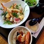 雪庭 - 海老天と揚げ餅のおろしうどん 1100円