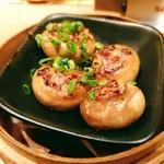 飲茶バルSinSin - 金華ハムのマッシュルーム詰め