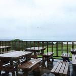 ハーベスター八雲 - 窓の外の景色 雨天だったのが残念