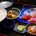 かどや食堂 - さしみ定食(¥950)