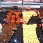 スイーツ パラダイス ケーキショップ - ベリー系ムース、ティラミス風、かぼちゃプリン、カラメルとろ生ケーキ、シフォンケーキ系等もありました