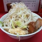 ラーメン二郎 - 小ラーメン豚2枚・ヤサイニンニク(790円)