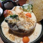 北海道ブラッスリー リラ - シーフードパングラタンとリラの前菜ミスト1000円税別