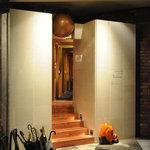 リストランテ フォンタナ - 地下1階階段下りて右手奥