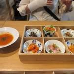 五感レストラン ベイベリー - 先ずは前菜の盛り合せとスープが運ばれて来ました。  妻の頼んだ玉手箱ランチはこれにパンと飲み物と言う軽いランチです。