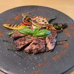 五感レストラン ベイベリー - メインはグリルポーク、季節の野菜も彩りに回りに添えられてます。