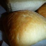 モンテリーノ - 綺麗なきつね色のパン