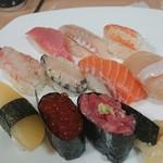 丸喜寿司 - カニ3分の1カット