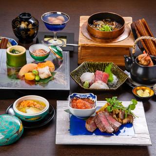 旬の食材を使ったコース料理をご用意しております。