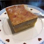 11798350 - タイのケーキです しっとりした食感の素朴な味