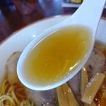 中華そば GO.TO.KU 仁 - 【2019.10.21(月)】煮干しそば(並盛・130g)800円のスープ