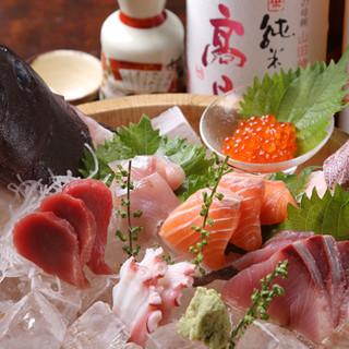 お手頃な価格で味わえるお刺身は、「鮮魚屋盛り」がオススメ!
