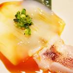 焼肉ダイニング 門 - 料理写真:酒の肴ぴったり!生でも食べられるくらい新鮮!七輪でちょっとだけ炙ってどうぞ~☆