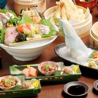 看板メニューの天ぷらと鮮度抜群の海鮮を一緒に!2H飲放題付き