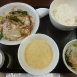 龍香 - 料理写真:'19/10/21 ホイコーローセット(税込900円)