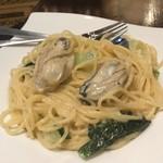 牡蠣酒場 すずきんち - 牡蠣の濃厚クリームパスタ