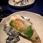 オイスター&ワイン・シーズン - ◼︎ガーリックバター焼き パセリ風味 ¥550