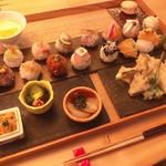 SOUDEN - 手鞠鮨14貫セット、季節の天麩羅3種盛り、季節のおばんざい3種盛り