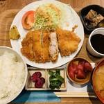 118030691 - 豚カツ定食