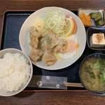 たべものや跳扉 - 料理写真:唐揚げカルボナーラ定食