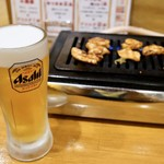 名物鶏ホルモン ひね屋 - 生ビール追加