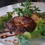 カフェアンドバー ウィッシュ - 料理写真:上州牛のロコモコ¥1,500税別。上州牛とイベリコ豚を使用した贅沢ハンバーグを使用!