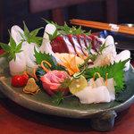明神丸 - 料理写真:本日の刺身三点盛り 明神丸お勧めの刺し盛りです。