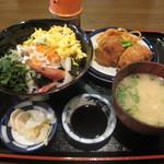 千穂 - ランチの海鮮丼セット¥700 すごいボリュームです