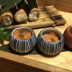 博多 表邸 - お稲荷さん、サーモンといくらのマリネ、焼き茄子