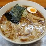 川越大勝軒 - 上空から ワンタン麺(中盛)