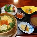 割烹お食事 吉田屋 - 料理写真:特製わっぱ御膳とお刺身プチ盛りセット