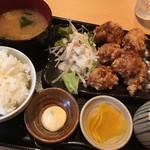 とりまつ - 鶏の唐揚げ定食(850円)