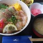 11806575 - 地魚海鮮丼1575円