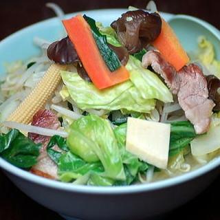 地元の野菜を初め、新鮮な野菜をふんだんに使用!