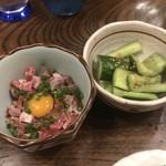 馬春楼 - きゅうりの自家製ラー油&桜納豆