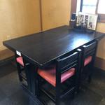 砂場 - テーブル席
