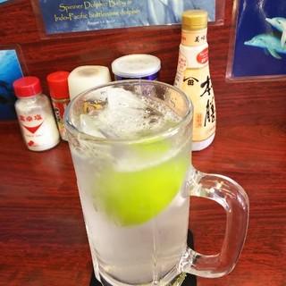 じんべぇ庵 - ドリンク写真:島レモンサワー!